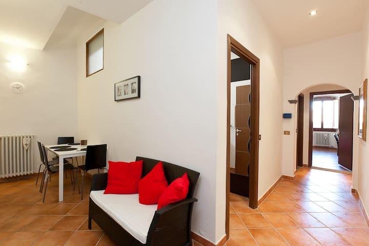 Cozy Apartment - XIII century tower