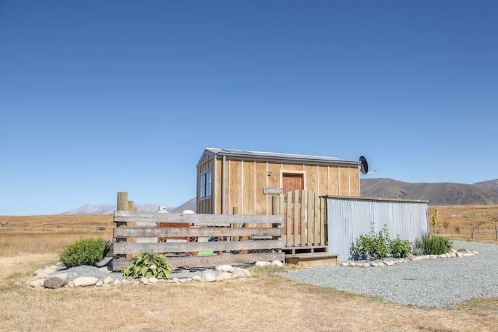 Highlands Farmstay hut No.2-stargaze in the baths