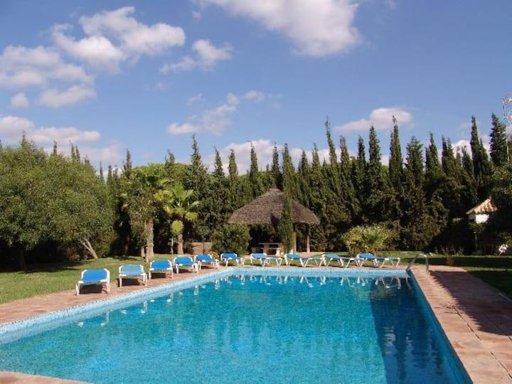 Villa 10 personas, piscina, wifi