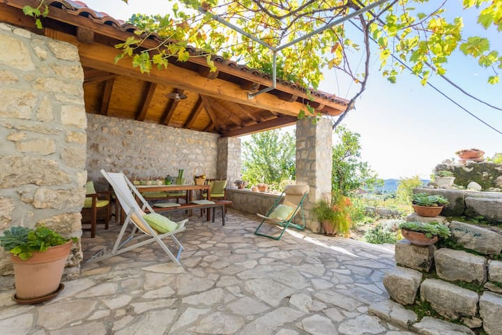 NEW LISTED Holiday house near Dubrovnik