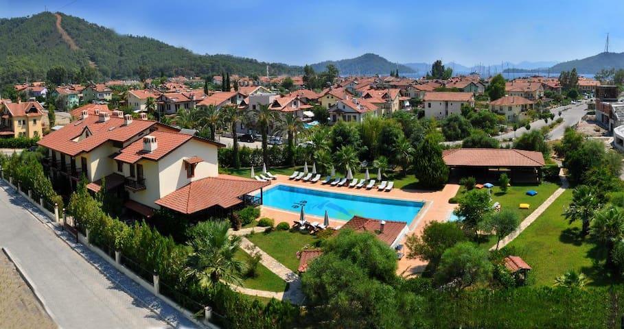 Efe Hotel Göcek your ideal holiday - Göcek - Bed & Breakfast