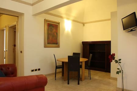 Large Enchanting Affreschi Home - Rome - Apartment