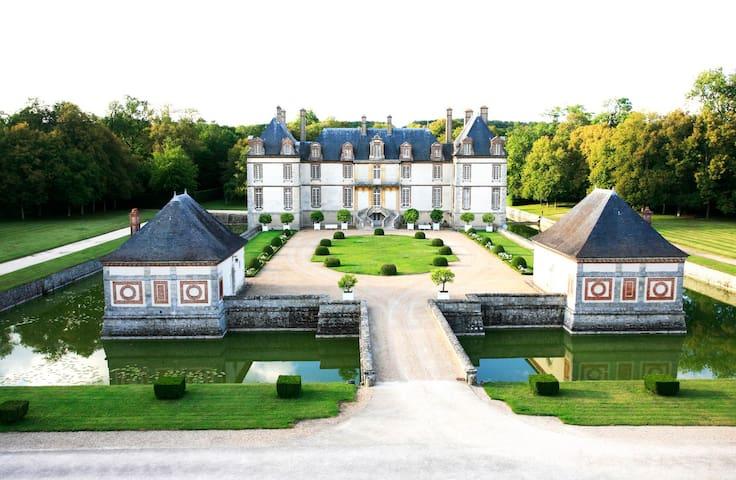Chambre - Maison d'Artagnan au Château de Bourron -  Bourron-Marlotte