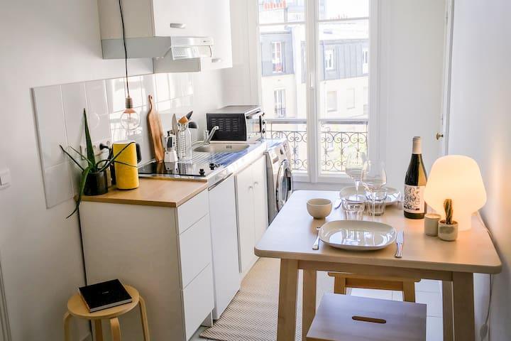 Modern Parisian apartment Buttes Chaumont - Paris - Apartment
