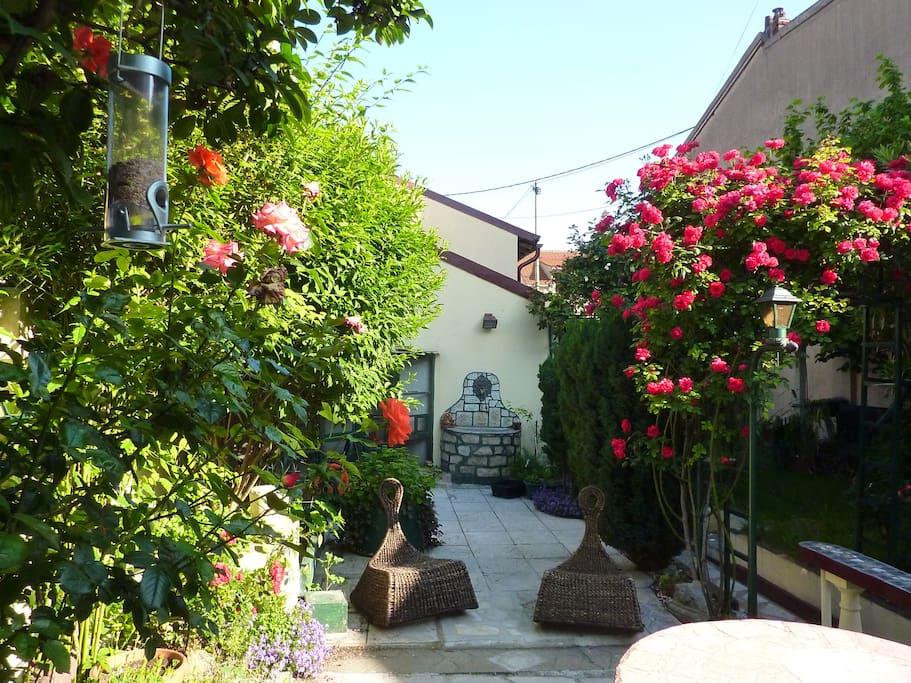 Profitez de la terrasse et du jardin