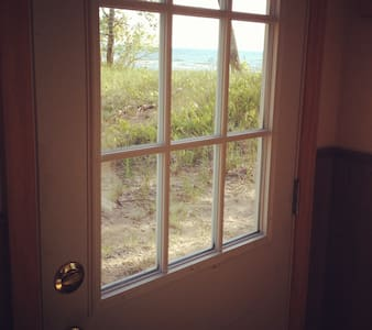 Lake Ontario Beach Front Cottage! - Woodville  - Cabin