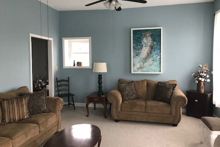 The Attic Vacation Rental - Downtown Belhaven, NC