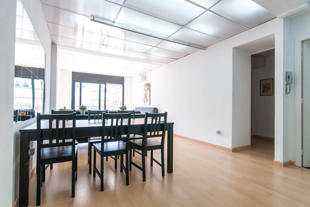 Familiar charming eixample rambla appartamenti in for Appartamenti barcellona eixample