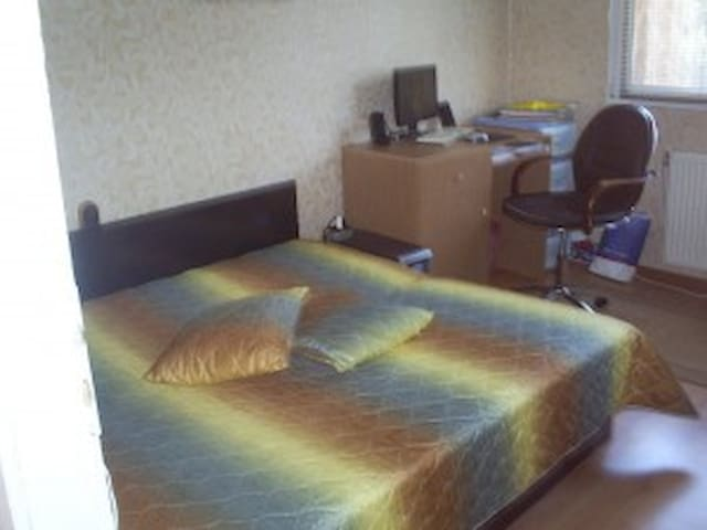 Private room in a shared flat - Vratsa