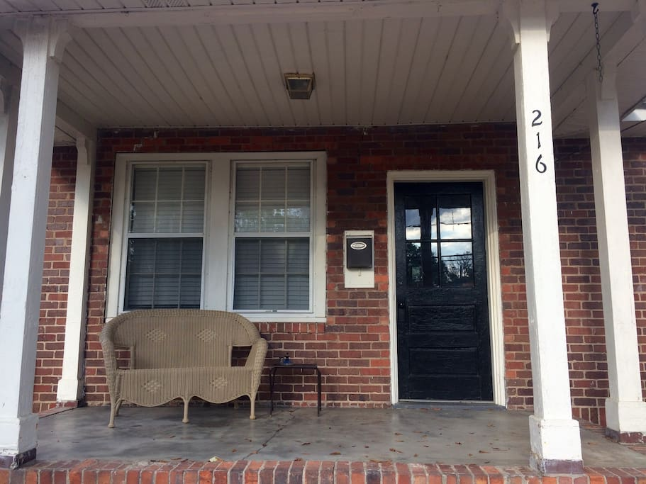 Cozy all brick 2br 1ba home with a great location for All brick