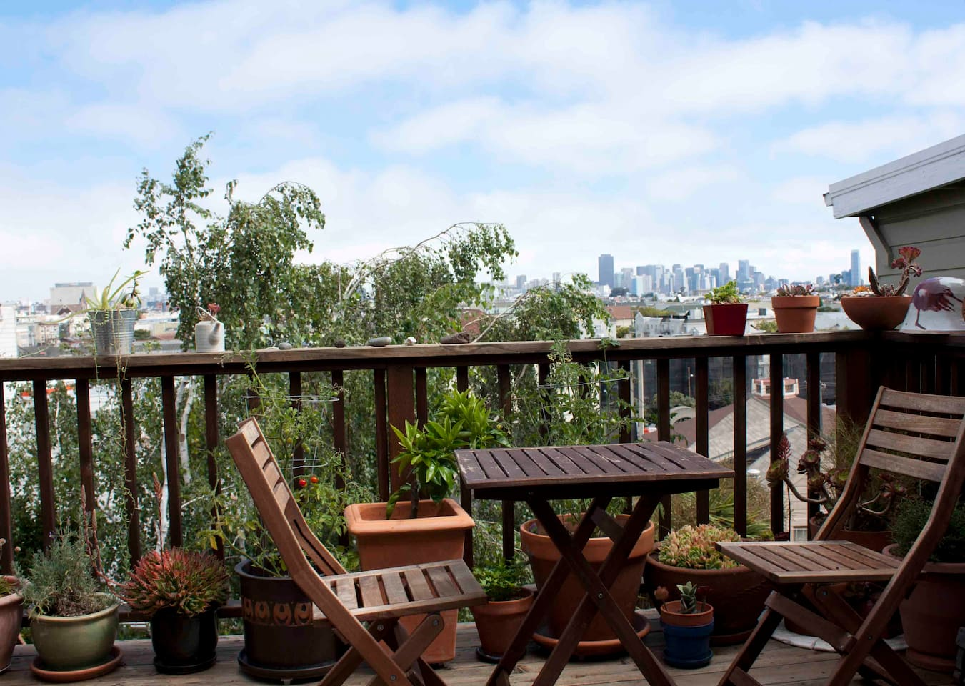 Deck with great views of downtown and Twin Peaks - great for having a coffee or grilling on a gas grill