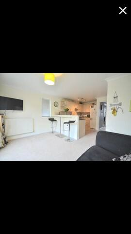 Four Bedroom house! Sleeps up to 7. - Cheltenham - House