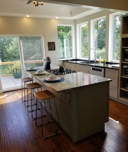 Home conveniently located between Blfd & Princeton