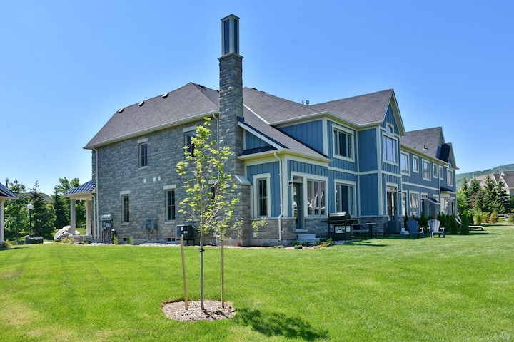 Blue Mountain Village Townhome 4 Bedroom 2200 sqft