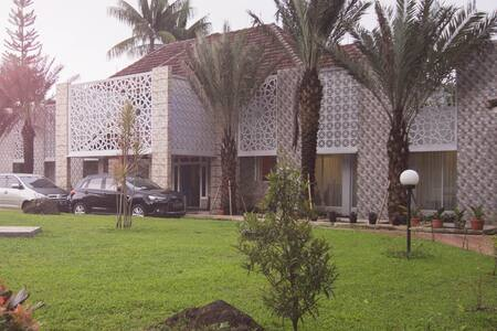 Al Nafoura private luxury villa - cipayung