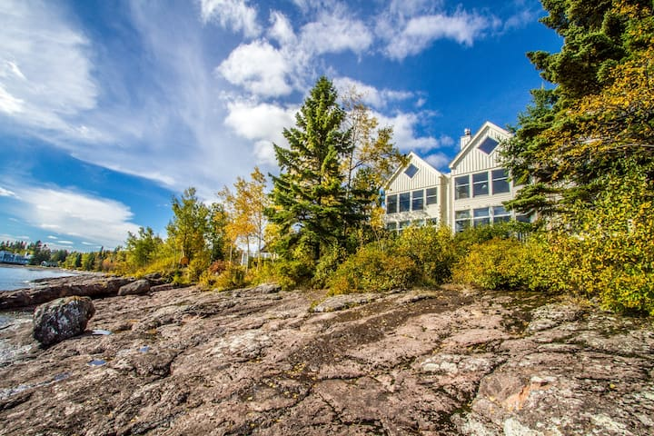 Bluefin Bay Vacation Townhome 56A - Lake Superior - Tofte, MN - Cascade Vacation Rentals