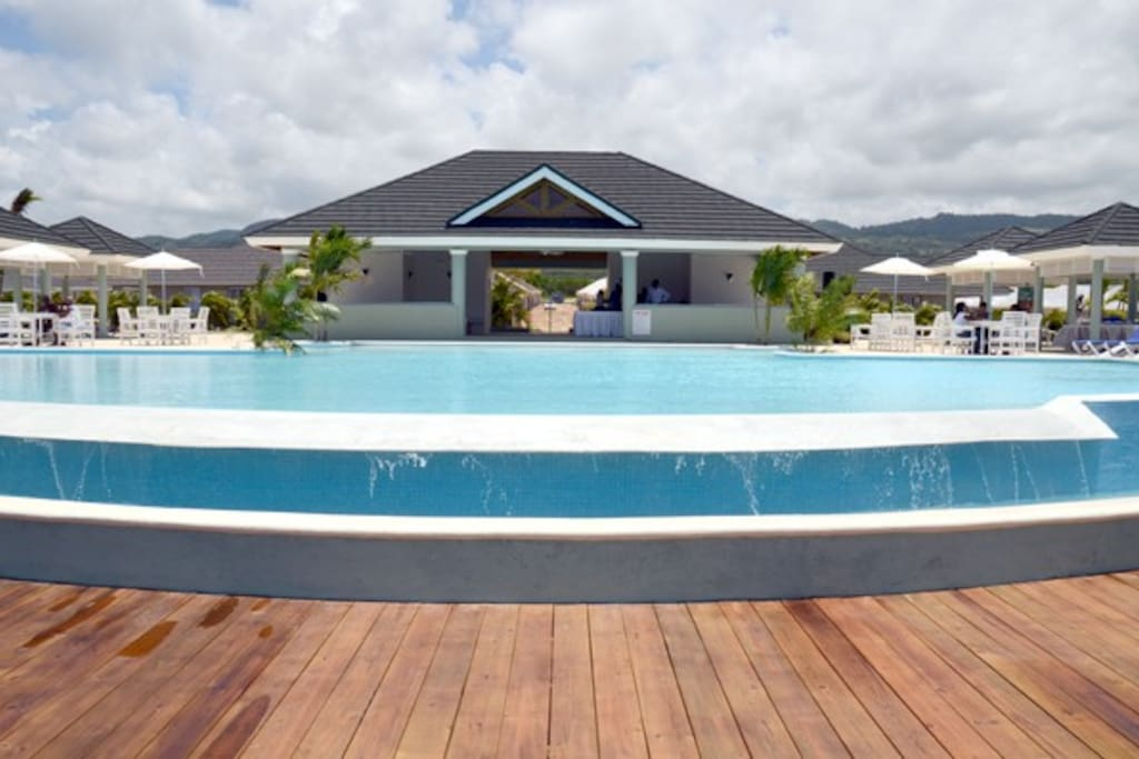 Infinity pool and club house for your relaxation pleasure