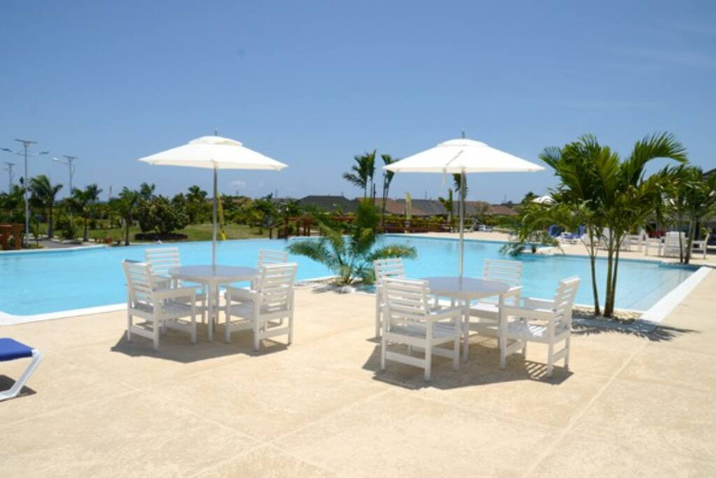 Infinity pool for your reInfinity pool for your relaxationlaxation