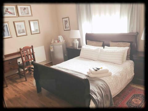 Be Our Guest room#3