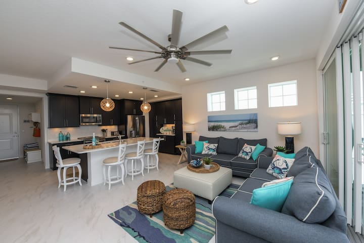 Peace of Paradise - Brand new 3 bed/3bath condo 1 mile from the beach!