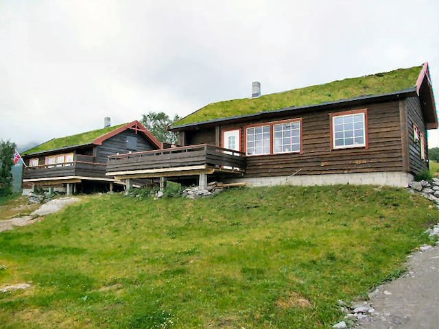 Astrids Oase - Hamnvik - House
