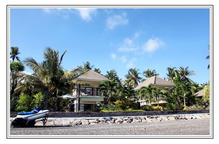 Singaraja luxurious  5br beachvilla - Kubutambahan - Casa de camp