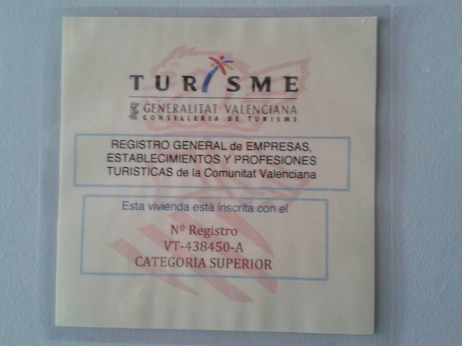 El apartamento pasa la inspección de Turismo Oficial Obligatoria y está clasificado con la CATEGORIA SUPERIOR (LA MAS ALTA POSIBLE)