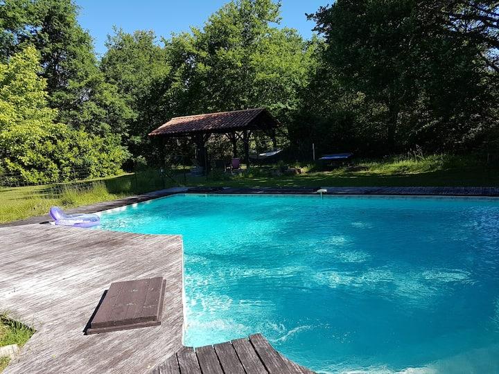 Maison 8 personnes piscine cheminée sud Gironde