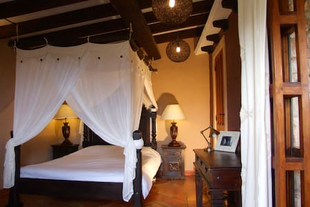 Romantic stonehouse B&B priv.bath - Bolulla - Bed & Breakfast