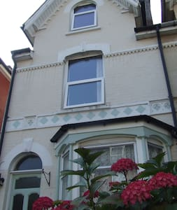 Siesta - spacious Double/Twin Room  - Cowes - House