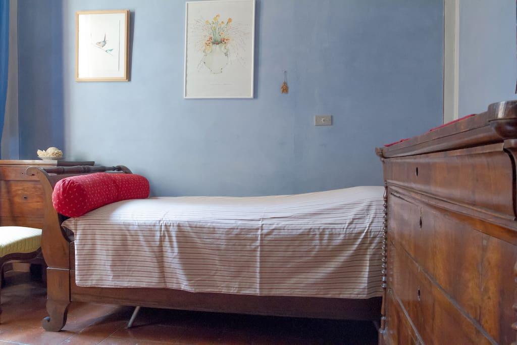 Stanza azzurra in centro storico appartamenti in affitto for Stanze in affitto modena
