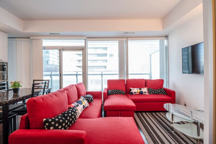 Downtown Toronto condo near Rogers Center