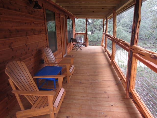 Grove at Blue Top - Cozy cabin for 1-4 guests