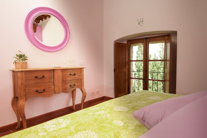 Antico Granaione B&B Sage Room
