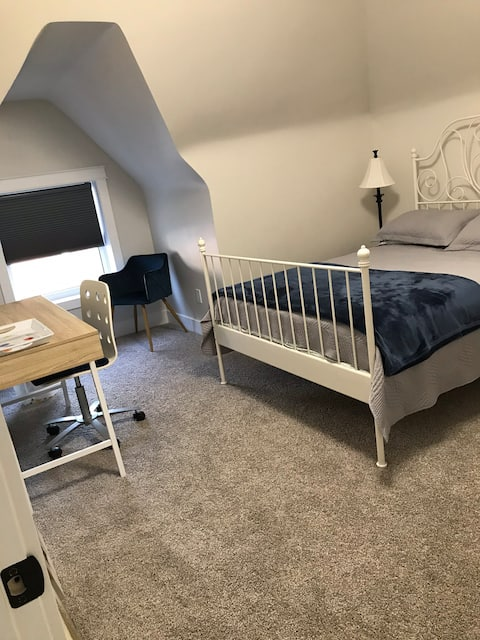 Well Now On Wellington! W/Private Bathroom & More!