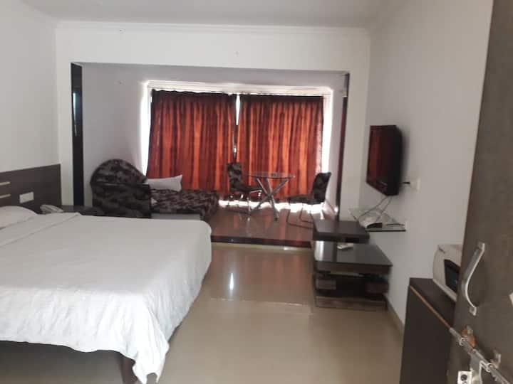 AC Single Furnish Room with Pool Lonavala