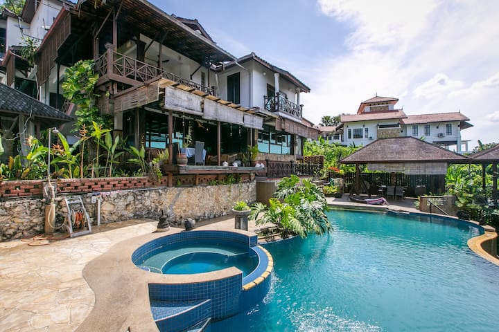 Cozy Balinese Villa with Pool Perfect for Retreats