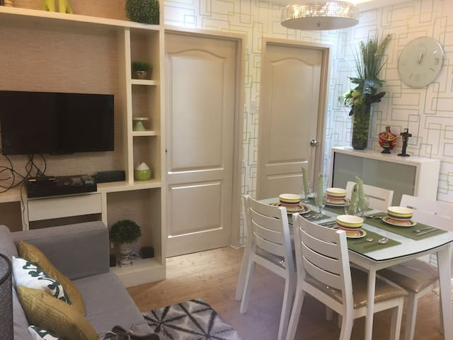 Modern Style 2 bedroom Condo in Srp San Remo Oasis