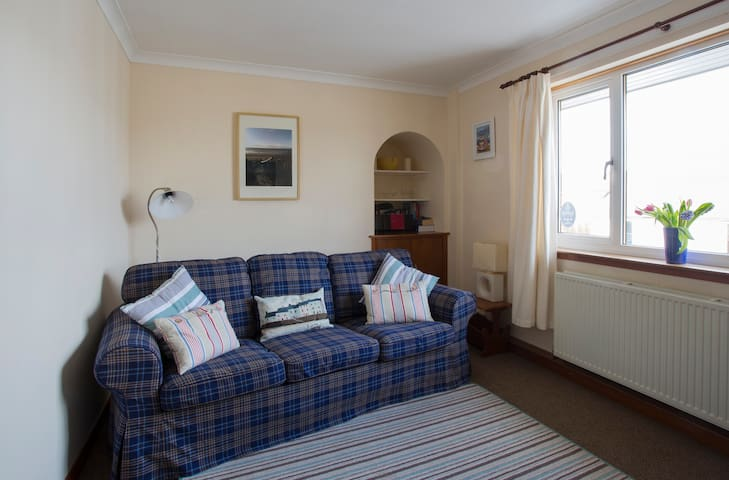 Troon Apartment near beach, golf courses & town
