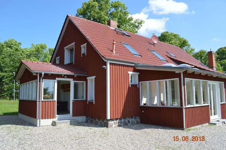 Landhaus mit Kamin zwischen Rerik und Kühlungsborn - Biendorf - House