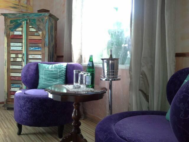kleines haus am gro en see h user zur miete in v hl hessen deutschland. Black Bedroom Furniture Sets. Home Design Ideas