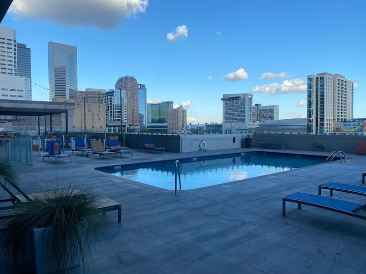 The Highrise Downtown Houston Experience