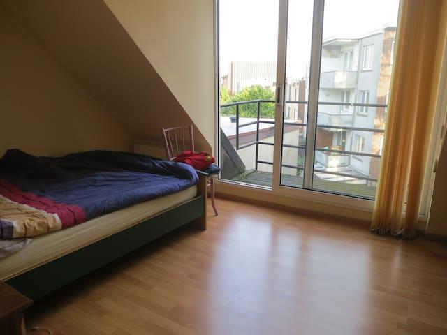 Antwerp - upper floor in a quiet house