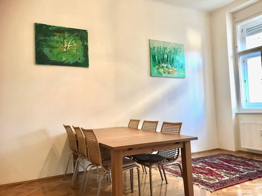Licht und Kunst im Wohnzimmer