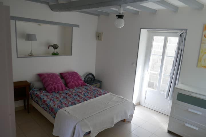 logement calme et  agreable à 12 mn de Caen