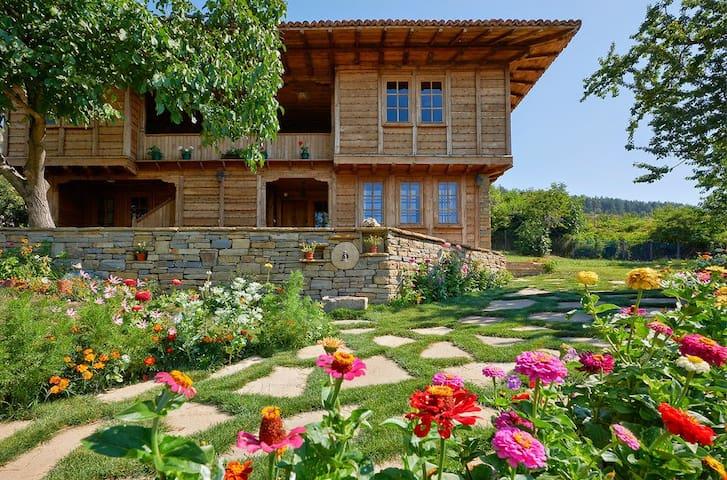 Babinata Kashta (Grandma's House)