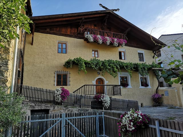 Bertollhof
