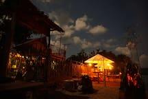 Maryan Moyo Bungalows Bar & Resto