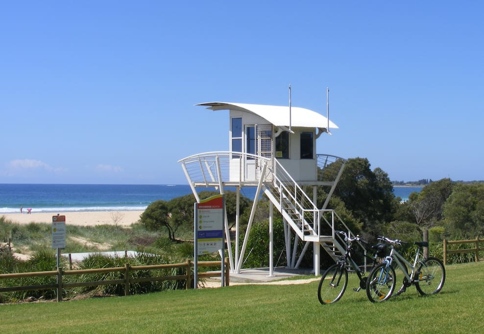 Woonona beach. 2 bikes for your use. The cycle-way runs along the beaches.