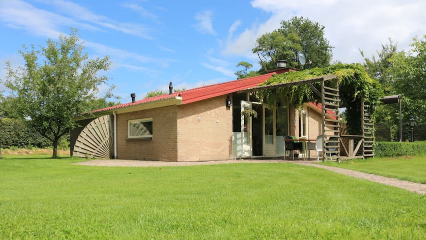 Compleet ingericht vakantiehuis  - Huize Hunebed